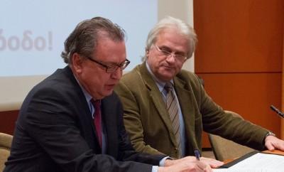 Ο πρόεδρος του ΕΚΕΦΕ «ΔΗΜΟΚΡΙΤΟΣ» μαζί τον Δήμαρχο Αγίας Παρασκευής, Γιάννη Σταθόπουλο