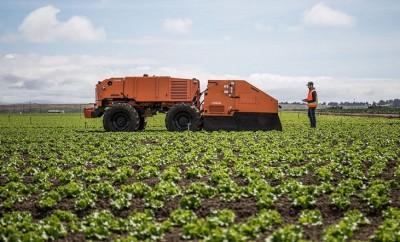 robots farm